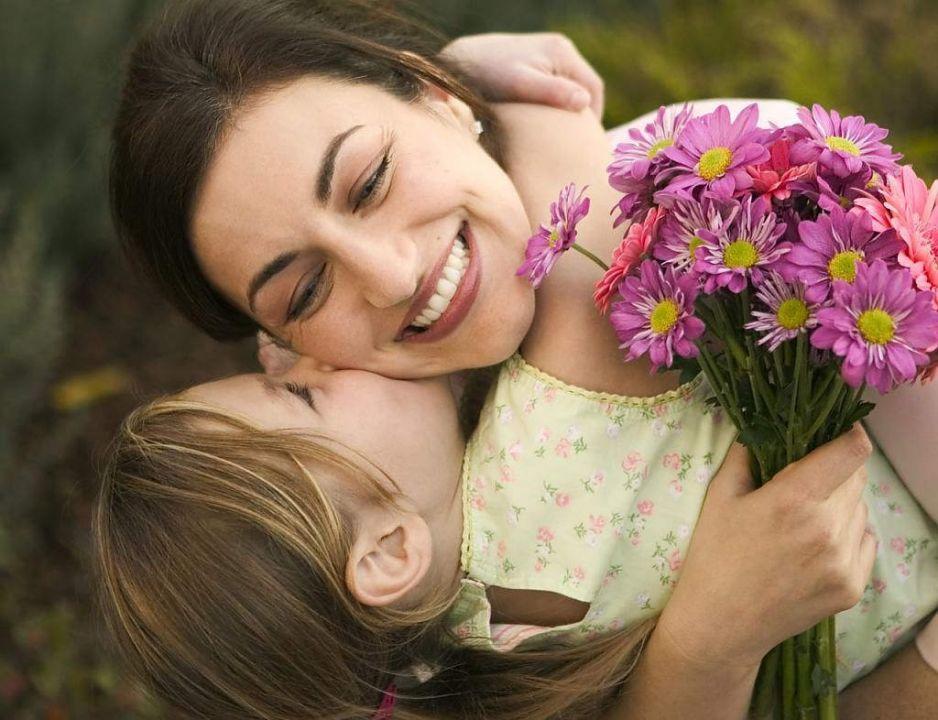 Замовити букет квітів до Дня матері