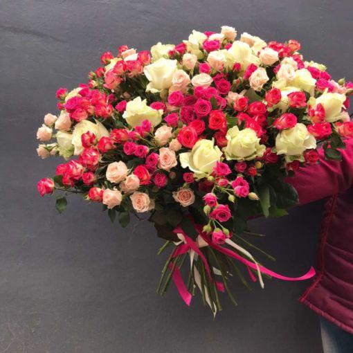 Букет кущлвої одноголової троянди